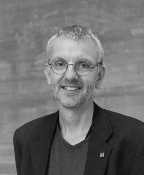 Helge Bøvik Larsen